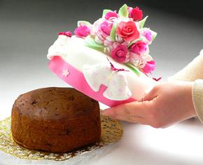 芳醇でまろやかなフルーツケーキ